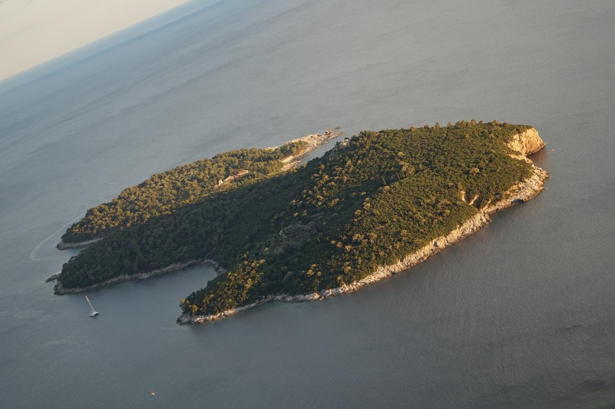 Lokrum -sopiva saari iltapäivätorkuille