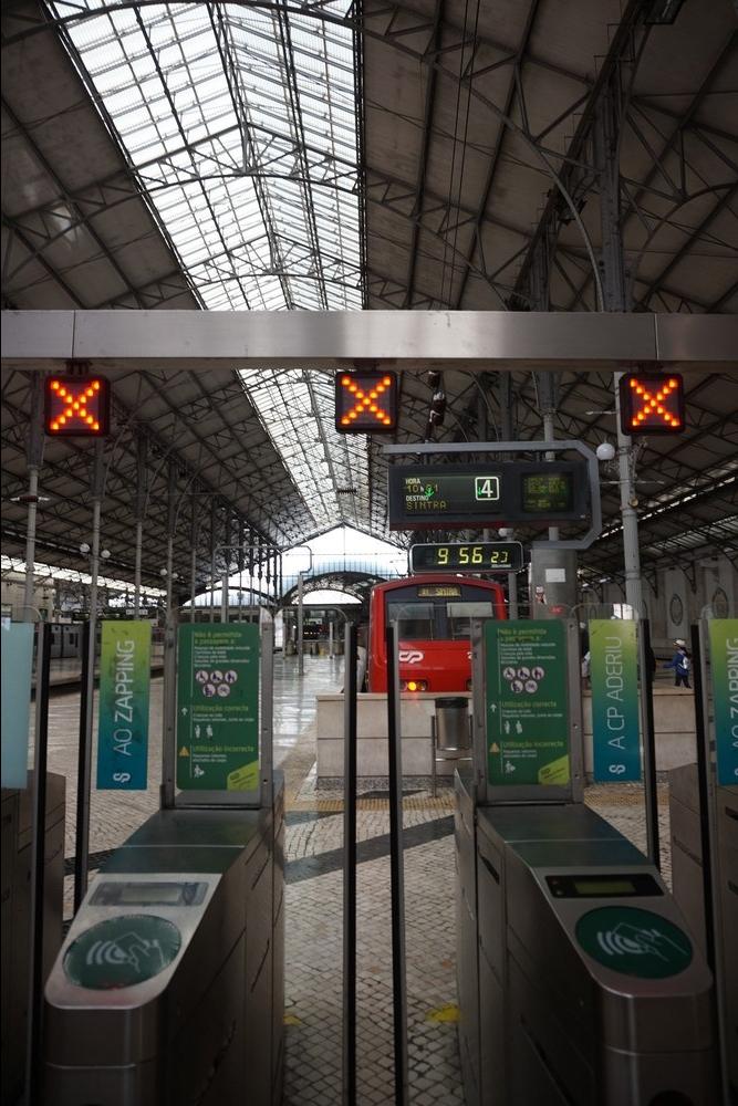 Rossion juna-asema, Lissabon